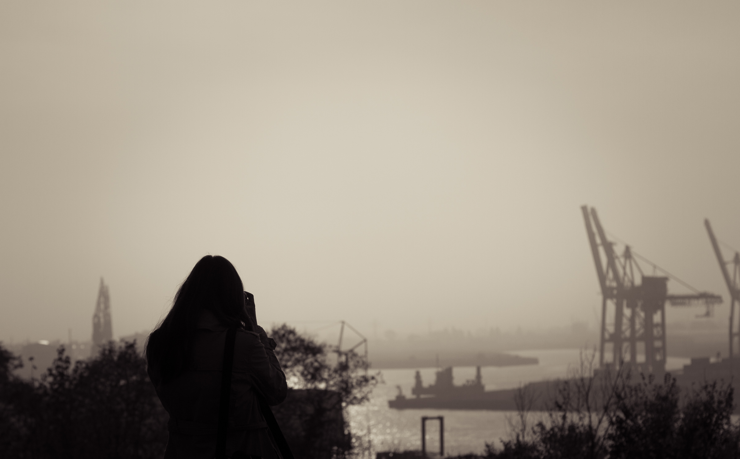 harbour, autumn, woman, female, lovely places © André Schunert